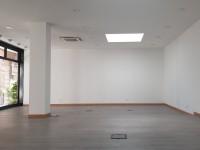Image for TV 4436 – Ampio ufficio con vetrine
