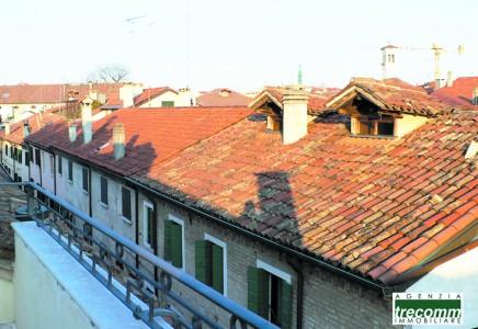Image for TV 4330 – Affittasi prestigioso appartamento, ultimo piano con terrazzo in Treviso città