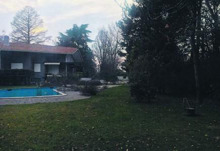 Image for TV 4540 – Vendesi Villa con ampio parco e piscina, a Preganziol