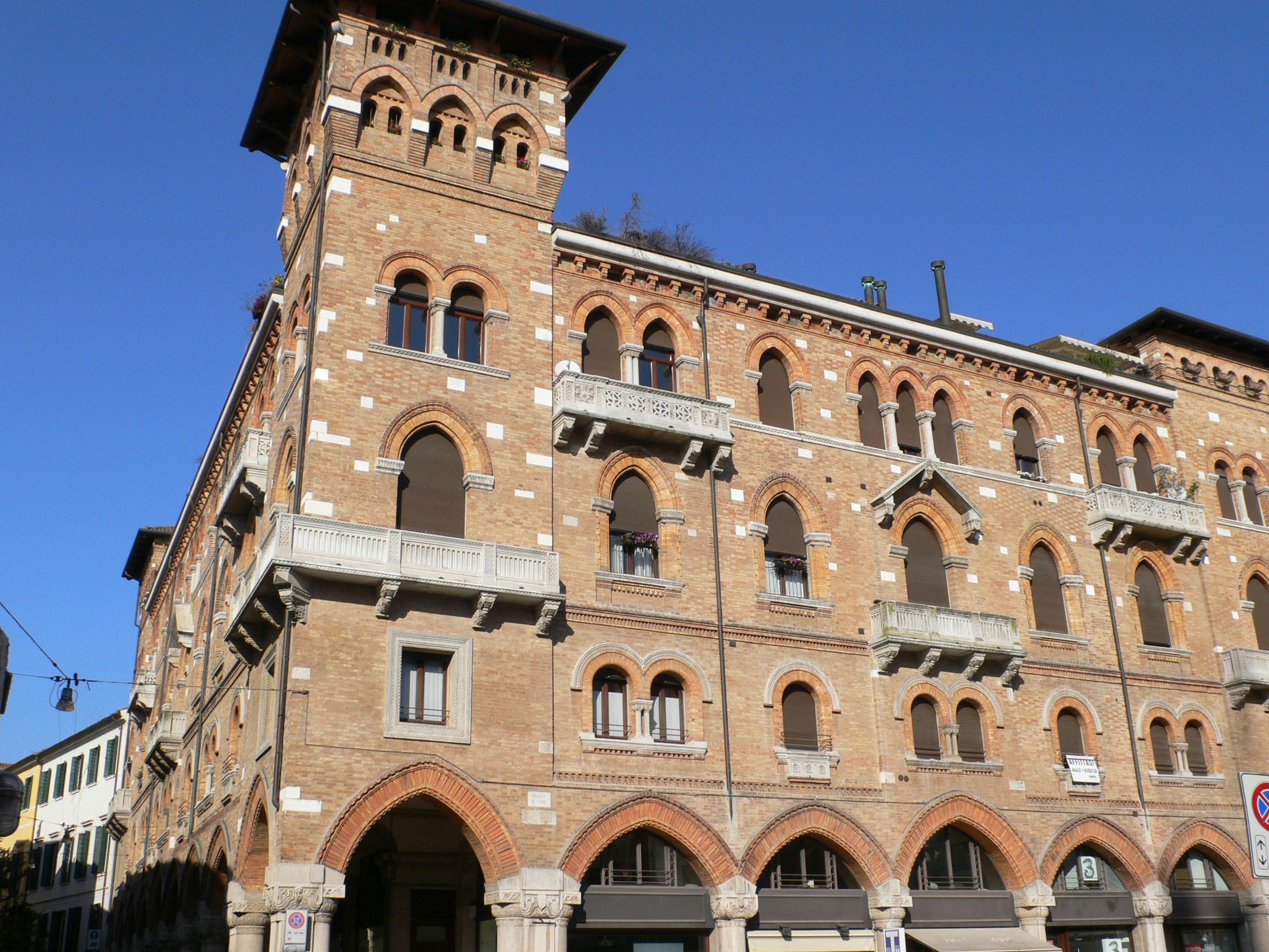 Cod 347 vendesi appartamento in esclusiva in centro for Roma vendesi appartamento centro storico